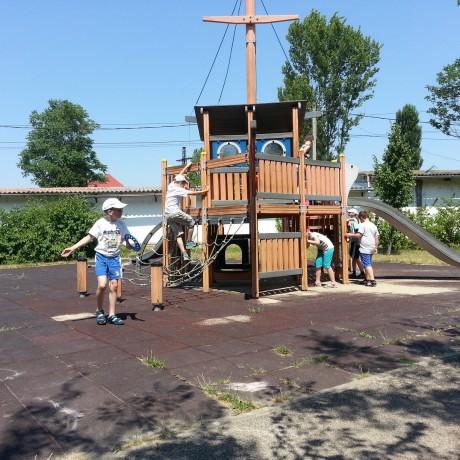 Váci bejárós nyári tábor, a vidám gyerekek szünidős programja